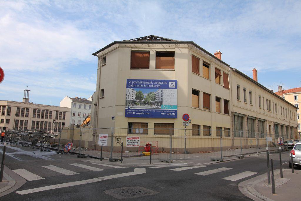 Façade rue Saint-Jérôme tombée