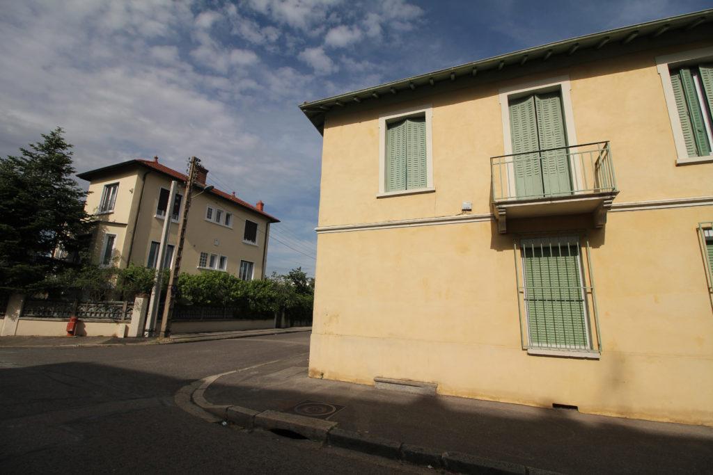 Rue des roses, quartier Cyprian